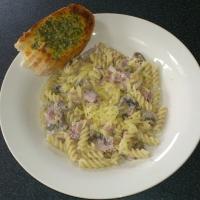 RECIPE: Creamy Ham and Mushroom pasta (172/366)